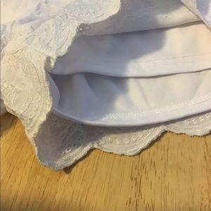 Pretty scalloped white shorts